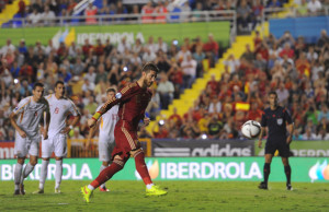 VALENCIA, SPAIN - SEPTEMBER 08:  Sergio Ramos of Spain scores Spain's opening  goal from the penalty spot during the UEFA EURO 2016 Group C Qualifier between Spain and FYR of Macedonia at Estadio Ciutat de Valencia on September 8, 2014 in Valencia, Spain.  (Photo by Denis Doyle/Getty Images)